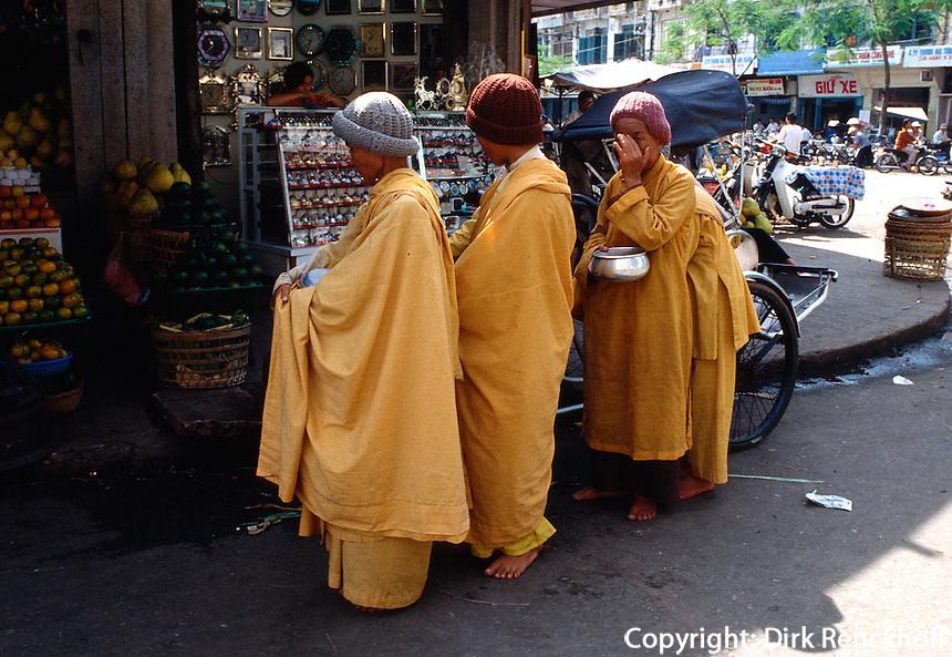 Bettelnonnen in Saigon, Vietnam