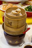 Yangzhou, Jiangsu, China.  Breakfast at Ye Chun Tea House.  Dim Sum, Buns, Dumplings.