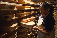 """Europe/France/Rhône-Alpes/74/Haute-Savoie/ENV Abondance: Mr André Girard dans sa cave d'affinage de fromage AOC Abondance fermier GAEC """"Le Mont Chauffé"""""""
