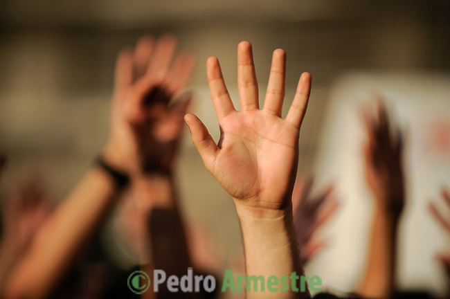 Hands are raised in protest at Puerta del Sol square in Madrid, Spain, on May 20, 2011 during a rally against Spain's economic crisis, jobless rate, austerity measures, political structure,  (c) Pedro Armestre