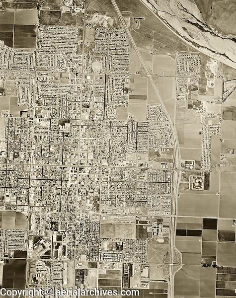 historical aerial photograph Santa Maria, California, 1967