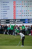 22.05.2015. Wentworth, England. BMW PGA Golf Championship. Round 2.  Alvaro Quiros [ESP] putts on the 18th green