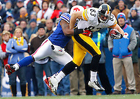 BUFFALO, NY - NOVEMBER 28:  Heath Miller #83 of the Pittsburgh Steelers runs with the ball after completing a catch during the game against the Buffalo Bills on November 28, 2010 at Ralph Wilson Stadium in Buffalo, New York.  (Photo by Jared Wickerham/Getty Images)