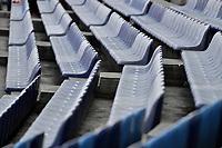CALI - COLOMBIA, 29-02-2020: Sillas en las tribunas de occidental previo al partido entre América de Cali y Deportivo Cali por la fecha 7 de la Liga Águila II 2018 jugado en el estadio Pascual Guerrero de la ciudad de Cali. / chairs on the stands of western prior a match for the for the date 7 as part of BetPlay DIMAYOR League I 2020 between America de Cali and Deportivo Cali played at Pascual Guerrero stadium in Cali. Photo: VizzorImage / Gabriel Aponte / Staff
