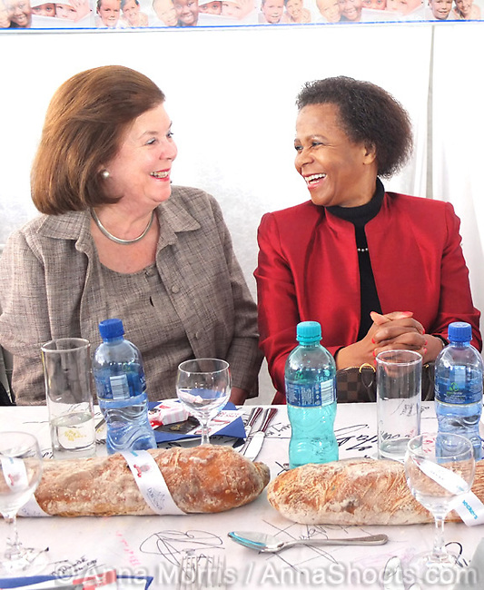 Jane Raphaely, Chairman, Associated Magazines and Dr. Mamphela Ramphele at the Table of Peace and Unity - a fundraising luncheon for 700 guests sitting at one table on Table Mountain. R1.5 million was raised to benefit vulnerable children.