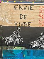 Europe/ile de France/Paris/75011:rue Crespin Du Gast, Street Art en faveur de la Biodiversité  - Protection des Abeilles //  Europe / Ile de France / Paris / 75011: rue Crespin Du Gast, Street Art in favor of Biodiversity - Protection of bees