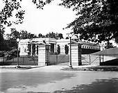 0613-B093.  North gate of the White House, Washington, DC, 1922