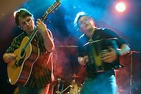 Fest-noz organise par Tamm-Kreiz pour la Fete de la Bretagne, la Gouel Breizh..Ampouailh, groupe de fest-noz compose de Mikael  DERRIEN au saxo, Marius  LE POURHIET a la batterie, Simon  LOTOUT  a la bombarde, Thibault  LOTOUT a l'accordeon, Erwann Moal a la guitare et la sonorisation est assure par Vincent  LE MEUR.