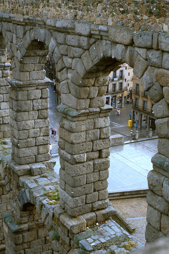 Spain, Segovia. The Roman aqueduct ws built in the first century AD of granite blocks with no mortar and consists of 163 arches. Segovia Castilla Y Leon Spain.