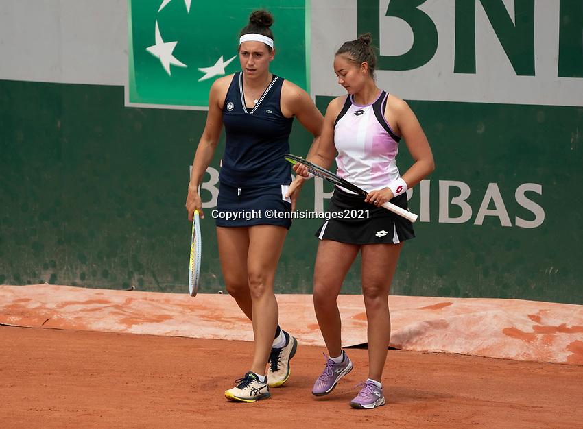 Paris, France, 2 june 2021, Tennis, French Open, Roland Garros, Womans doubles First round : Lesley Pattina-Kerkhove (NED) and  Rosalie van de Hoek (NED) (L)<br /> Photo: tennisimages.com