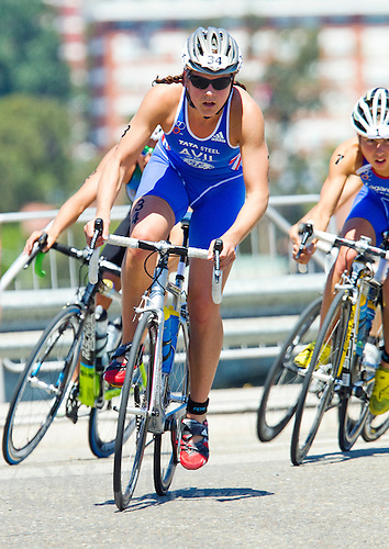 25 JUN 2011 - PONTEVEDRA, ESP - Hollie Avil (GBR) - Elite Women's European Triathlon Championships in Pontevedra, Spain (PHOTO (C) NIGEL FARROW)