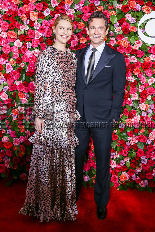 NEW YORK, NY - JUNE 10:  Claire Danes and Hugh Dancy attend the 72nd Annual Tony Awards at Radio City Music Hall on June 10, 2018 in New York City.  (Photo by Walter McBride/WireImage)