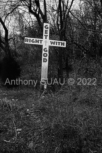 Fort Campbell, Kentucky.USA.March 13, 2003..Religious signs along Ft. Campbell Blvd outside the military base.