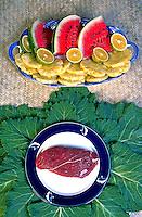 Frutas e carne. Foto de Thaís Falcão.