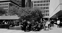 Place Ville-Marie , a l'heure du lunch, été 2011<br /> <br /> Photo : Agence Quebec Presse.