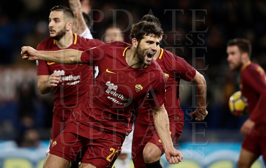 Calcio, Serie A: AS Roma vs Cagliari, Roma, stadio Olimpico, 16 dicembre 2017.<br /> Roma's Federico Fazio celebrates after scoring during the Italian Serie A football match between AS Roma and Cagliari at Rome's Olympic stadium, December 16, 2017.<br /> UPDATE IMAGES PRESS/Isabella Bonotto
