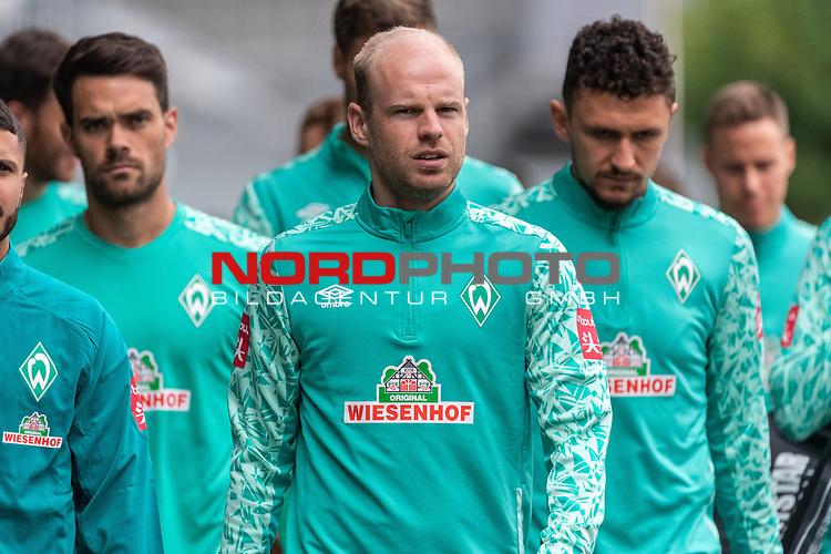 09.09.2020, Trainingsgelaende am wohninvest WESERSTADION - Platz 12, Bremen, GER, 1.FBL, Werder Bremen Training<br /> <br /> Die Spieler auf dem Weg zum Training v.li <br /> <br /> EDUARDO DOS SANTOS HAESLER Torwart U23)<br /> Davy Klaassen (Werder Bremen #30)<br /> Milos Veljkovic (Werder Bremen #13)<br /> <br /> <br /> <br /> Foto © nordphoto / Kokenge