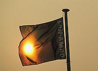 1992, ABNWTT, Vlag in zonsondergang