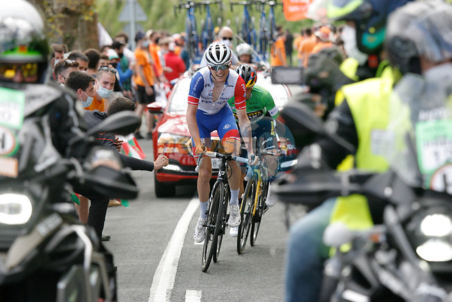 David Gaudu (FRA) Groupama-FDJ leads Green Jersey Primoz Roglic (SLO) Team Jumbo-Visma up the final climb of Arrate during Stage 6 of the Itzulia Basque Country 2021, running 111.9km from Ondarroa to Arrate, Spain. 10th April 2021.  <br /> Picture: Luis Angel Gomez/Photogomezsport   Cyclefile<br /> <br /> All photos usage must carry mandatory copyright credit (© Cyclefile   Luis Angel Gomez/Photogomezsport)