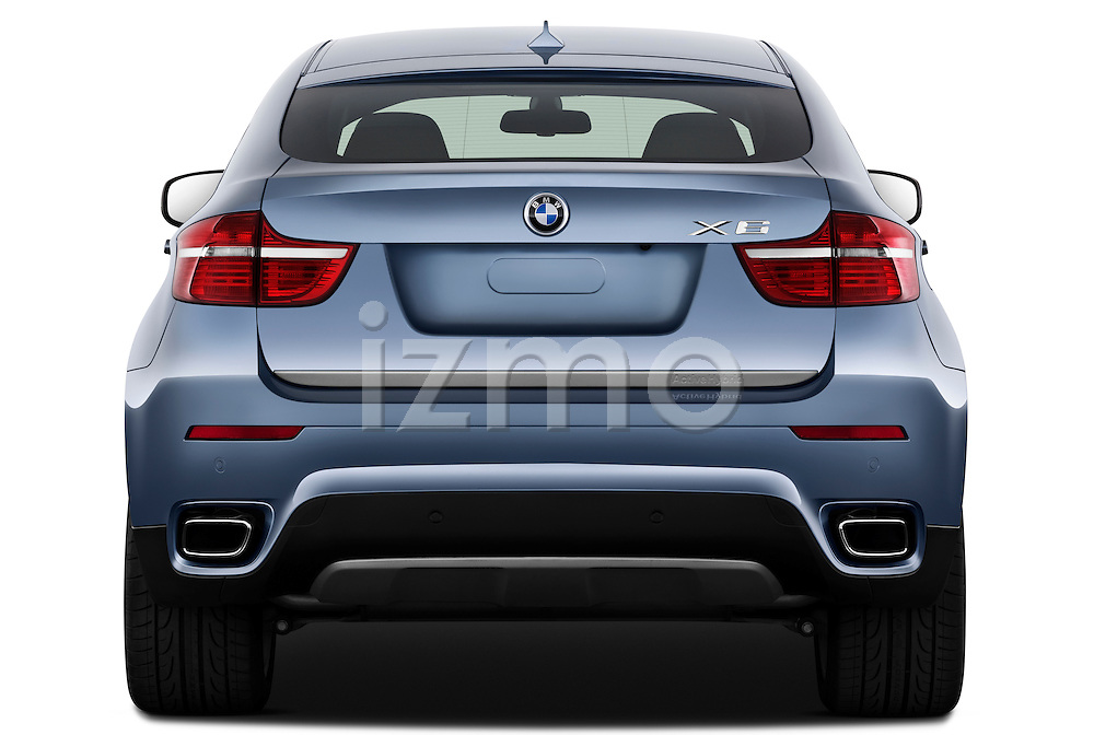 Straight rear view of a 2010 BMW Active Hybrid X6