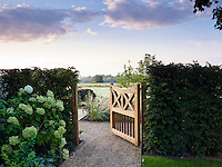 THE COTSWOLD GARDEN COMPANY