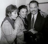 Shirley Maclaine Tyne Daly Stacy Keach 1980s<br /> Photo By John Barrett/PHOTOlink