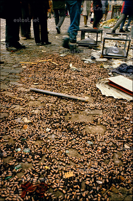 ROMANIA, Revolution Square, Bucharest, 24.1989, 1pm.The square is paved with empty bullet cartridges..© Andrei Pandele / EST&OST