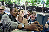 ALMA ( Alexandra MAQUET ), candidate Eurovision 2017 avec des fans devant le studio Gabriel pour enregistrement de Vivement Dimanche TF1 - Paris, France, 12/4/2017