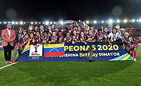 BOGOTA - COLOMBIA, 13-12-2020: Jugadoras de Independiente Santa Fe celebran como Campeonas de la Liga Femenina BetPlay DIMAYOR 2020 jugado en el estadio Nemesio Camacho El Campin en la ciudad de Bogota. / Players of Independiente Santa Fe celebrate as Champions of the BetPlay Women's League DIMAYOR 2020 played at the Nemesio Camacho El Campin stadium in Bogota city. / Photo: VizzorImage / Luis Ramirez / Staff.