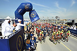 The start of Stage 1 The Nakheel Stage of the Dubai Tour 2018 the Dubai Tour's 5th edition, running 167km from Skydive Dubai to Palm Jumeirah, Dubai, United Arab Emirates. 5th February 2018.<br /> Picture: LaPresse/Massimo Paolone | Cyclefile<br /> <br /> <br /> All photos usage must carry mandatory copyright credit (© Cyclefile | LaPresse/Massimo Paolone)