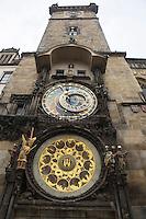 Europe/République Tchèque/Prague : Horloge astronomique de l'Hotel de Ville de la Viellle Ville réalisée par  Milukas de Kadan [Non destiné à un usage publicitaire - Not intended for an advertising use]
