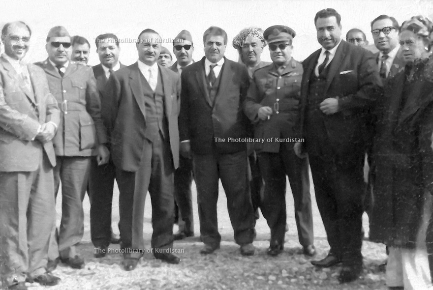 Iraq 1967 .Iraqi and Kurdish personalities in Erbil, right, Fatah Agha, the governor of Erbil,the chief of police, Kerim Agha Khoshnaw, . .Irak 1967 .Des personnalites irakiennes et kurdes dont a partir de la droite, Fatah Agha, le gouverneur d'Erbil, le chef de la police, , Kerim Agha Khoshnaw..