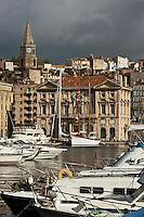 Europe/France/Provence-Alpes-Côte d'Azur/13/Bouches-du-Rhône/Marseille: Le Vieux port vers l'Hôtel de Ville et le quai de l'Hôtel de Ville