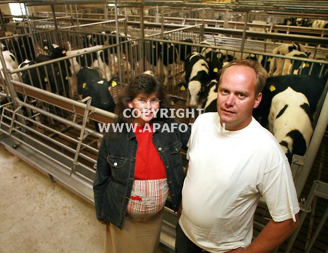 stroe 041006 Jan en Martine Thomassen in kalverstal (oeb)<br /> Foto frans Ypma APA-foto