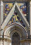 Italien, Umbrien, Orvieto: Dom Santa Maria (erbaut 13./14. Jh.) - Seitenportal | Italy, Umbria, Orvieto: cathedral Santa Maria (built 13./14. century) - side portal