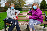 Enjoying a chat in the Tralee town park on Sunday, l to r: Catherine Dolan and Geraldine Carbone