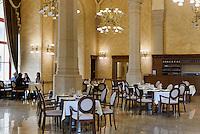 Café in Pester Redoute, Pesti Vigadó am Vigadó tér, Budapest, Ungarn, UNESCO-Weltkulturerbe