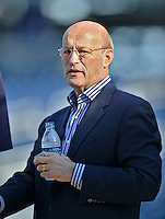 20 September 2012: Los Angeles Dodgers President and part Owner Stan Kasten watches batting practice prior to a game against the Washington Nationals at Nationals Park in Washington, DC. Kasten was the former President of the Nationals from 2006 to 2010 and the Atlanta Braves from 1986 to 2003. The Nationals defeated the Dodgers 4-1, clinching a playoff birth: the first time for a Washington franchise since 1933. Mandatory Credit: Ed Wolfstein Photo