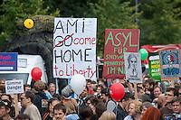 """In Berlin haben am Samstag den 30. August 2014 ca. 6.500 Menschen unter dem Motto """"Freiheit statt Angst"""" #fsa14 gegen massenhafte Ueberwachung demonstriert. Sie zogen mit einem Protestmarsch durch das Regierungsviertel und forderten u.a. die Abschaffung der Geheimdienste, vollstaendige Aufklaerung ueber die BND, NSA und andere Geheimdienstaktivitaeten und ein sofortiges Asyl fuer der Whistleblower Edward Snowden.<br /> Der Netzaktivist und Softwareentwickler Jacob Appelbaum, forderte die Mitarbeiter von Geheimdiensten dazu auf, Dokumente aus den Diensten der Oeffentlichkeit zur Verfuegung zu stellen. Auch riet er den anwesenden Menschen, bei den Geheimdiensten  Arbeit zu suchen und so an Unterlagen heran zu kommen.<br /> 30.8.2014, Berlin<br /> Copyright: Christian-Ditsch.de<br /> [Inhaltsveraendernde Manipulation des Fotos nur nach ausdruecklicher Genehmigung des Fotografen. Vereinbarungen ueber Abtretung von Persoenlichkeitsrechten/Model Release der abgebildeten Person/Personen liegen nicht vor. NO MODEL RELEASE! Don't publish without copyright Christian-Ditsch.de, Veroeffentlichung nur mit Fotografennennung, sowie gegen Honorar, MwSt. und Beleg. Konto: I N G - D i B a, IBAN DE58500105175400192269, BIC INGDDEFFXXX, Kontakt: post@christian-ditsch.de<br /> Urhebervermerk wird gemaess Paragraph 13 UHG verlangt.]"""