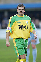 Lee Hodges - Grays Athletic vs Thurrock - Nationwide Conference South at the New Rec - 01/01/05 - MANDATORY CREDIT: Gavin Ellis/TGSPHOTO