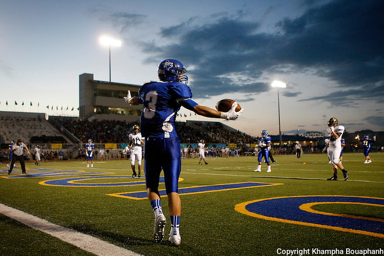 Boswell plays Cleburne in high school football at Pioneer Stadium in Fort Worth on Friday, September 5, 2014. (photo by Khampha Bouaphanh)