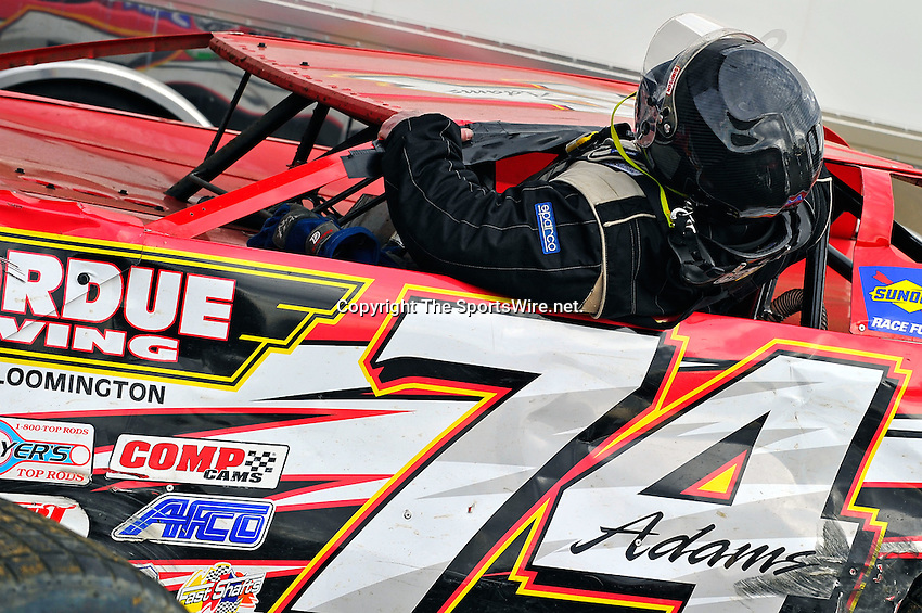 Feb 12, 2011; 5:30:26 PM; Gibsonton, FL., USA; The Lucas Oil Dirt Late Model Racing Series running The 35th annual Dart WinterNationals at East Bay Raceway Park.  Mandatory Credit: (thesportswire.net)