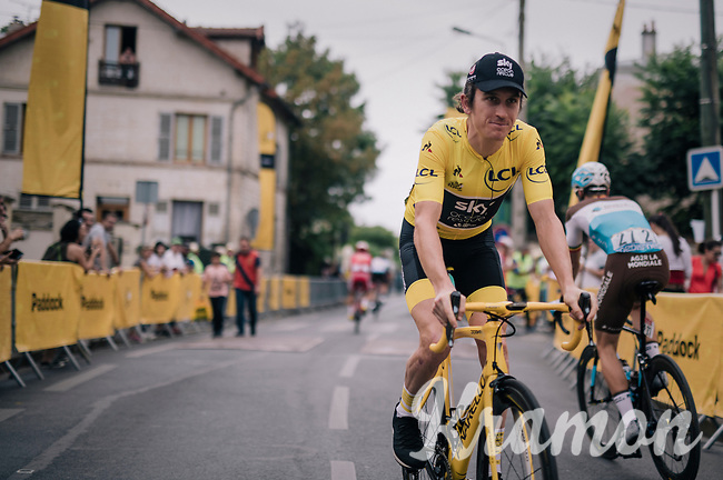 yellow jersey / GC leader Geraint Thomas (GBR/SKY) on his way to the sign-on<br /> <br /> Stage 21: Houilles > Paris / Champs-Élysées (115km)<br /> <br /> 105th Tour de France 2018<br /> ©kramon