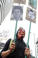 BOGOTÁ -COLOMBIA,  29-08-2013. Miles de estudiantes se volcaron a las calles de la ciudad de Bogotá en apoyo al Paro nacional Agrario. En la imagen estudiantes de la Universidad nacional marchando hacia la Plaza de Bolívar de Bogotá./ Thousands of students took to the streets of Bogota to support the Agrarian National Strike. In the image students of Universidad nacional de Colombia march to the Plaza de Bolívar  in BOgota city. Photo: VizzorImage/Gabriel Aponte/STR