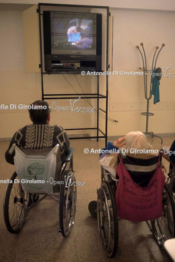 Anziani e Television.Elderly and Television...