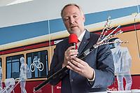 Alexander Kaczmarek, Konzernbevollmaechtigter der DB AG und Peter Buchner, Vorsitzender der Geschaeftsfuehrung der S-Bahn stellten am Mittwoch den 18. Juli 2018 die Qualitaetsoffensive der S-Bahn Berlin vor.<br /> Es sollen mehr als 30 Millionen Euro investiert werden um die Infrastruktur zu modernisieren und zusaetzliche Fahrzeugfuehrer ausgebildet werden.<br /> 18.7.2018, Berlin<br /> Copyright: Christian-Ditsch.de<br /> [Inhaltsveraendernde Manipulation des Fotos nur nach ausdruecklicher Genehmigung des Fotografen. Vereinbarungen ueber Abtretung von Persoenlichkeitsrechten/Model Release der abgebildeten Person/Personen liegen nicht vor. NO MODEL RELEASE! Nur fuer Redaktionelle Zwecke. Don't publish without copyright Christian-Ditsch.de, Veroeffentlichung nur mit Fotografennennung, sowie gegen Honorar, MwSt. und Beleg. Konto: I N G - D i B a, IBAN DE58500105175400192269, BIC INGDDEFFXXX, Kontakt: post@christian-ditsch.de<br /> Bei der Bearbeitung der Dateiinformationen darf die Urheberkennzeichnung in den EXIF- und  IPTC-Daten nicht entfernt werden, diese sind in digitalen Medien nach §95c UrhG rechtlich geschuetzt. Der Urhebervermerk wird gemaess §13 UrhG verlangt.]