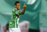 MEDELLÍN -COLOMBIA-01-06-2016. Andres Ibarguen (Izq) de Atlético Nacional celebra después de anotar un gol a Rionegro Águilas durante partido de ida por los cuartos de final de la Liga Águila I 2016 jugado en el estadio Alberto Grisales de la ciudad de Rionegro./ Andres Ibarguen (L) of Atletico Nacional celebrates after scoring a goal to Rionegro Aguilas during the second leg match for the final quaters of the Aguila League I 2016 played at Alberto Grisales stadium in Rionegro city. Photo: VizzorImage/ León Monsalve /Str