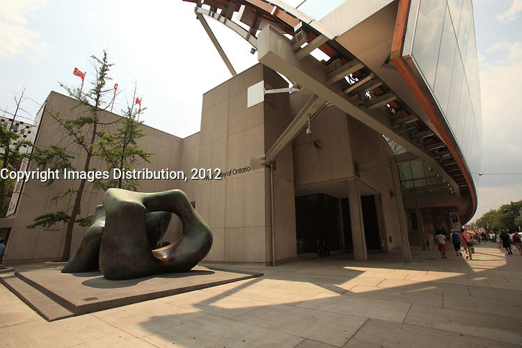 Toronto (ON) CANADA - July 2012 - Art Gallery of Ontario on Dundas street. :  LARGE TWO FORMS sculpture by henry Moore (L)