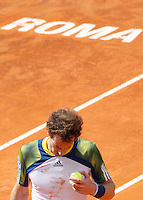 L'inglese Andy Murray durante gli Internazionali d'Italia di tennis a Roma, 15 Maggio 2013..Britain's Andy Murray reacts during the Italian Open Tennis tournament ATP Master 1000 in Rome, 15 May 2013.UPDATE IMAGES PRESS/Isabella Bonotto