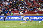 FC Internazionale Forward Ivan Perisic (L) attempts a kick while being defended by Chelsea Defender Gary Cahill (R) during the International Champions Cup 2017 match between FC Internazionale and Chelsea FC on July 29, 2017 in Singapore. Photo by Marcio Rodrigo Machado / Power Sport Images